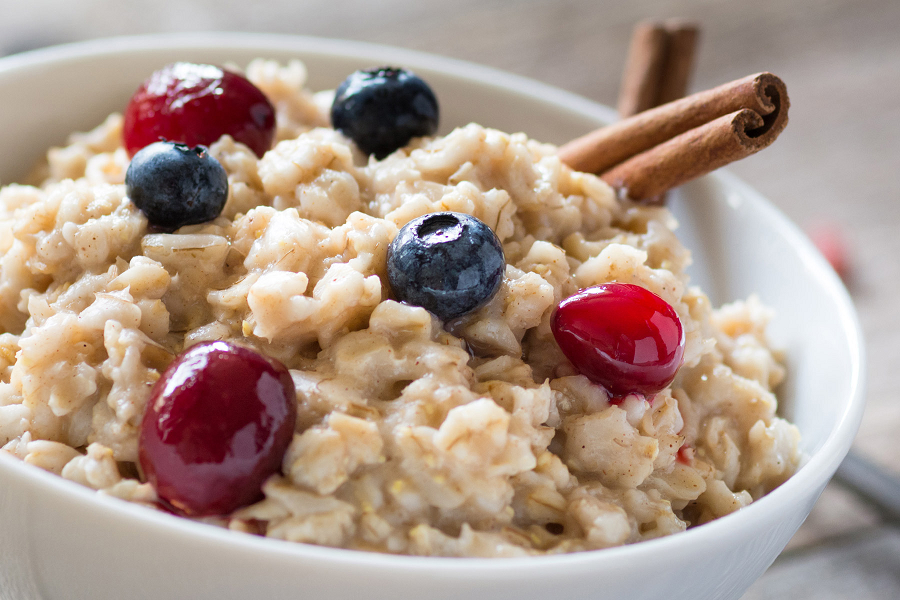 Why You Should Start Adding Oatmeal Into Your Daily Diet